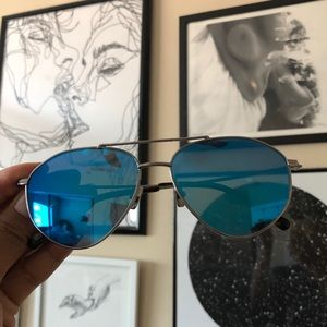 Blue reflective Diff Eyewear Aviators
